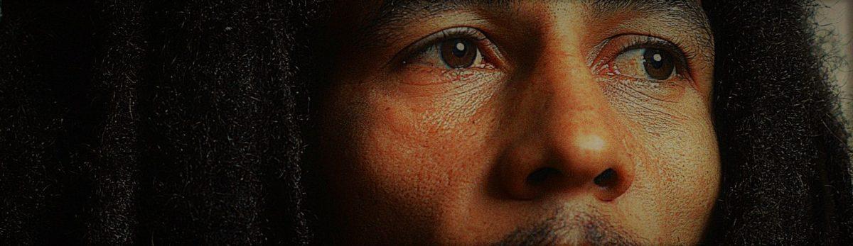 La poésie de Walcott ( extraits) : » J'ai du hollandais en moi, du négre et de l'anglais, soit je suis personne soit je suis une nation …»